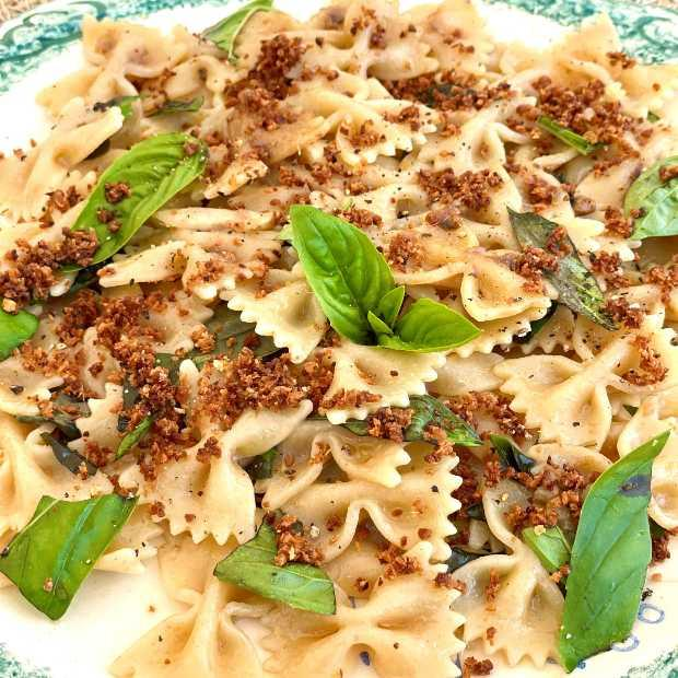 Pâtes complètes aux anchois et au basilic