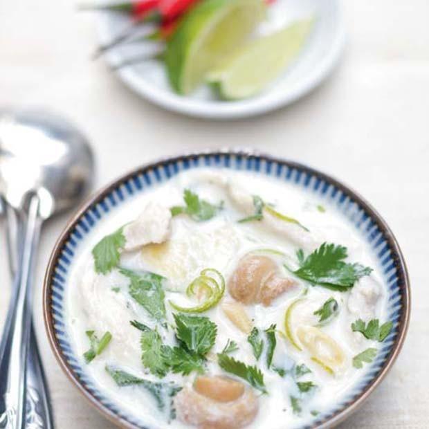 Soupe TOM KHA KAY de poulet au lait de coco
