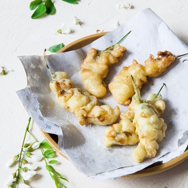 Les beignets de fleurs d'acacia de Catherine