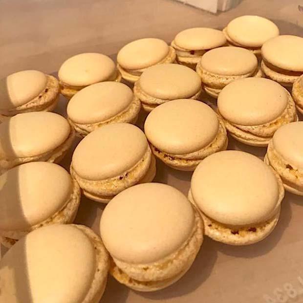 Macarons sans œufs, au Muscadet et Curé Nantais de Sibylle