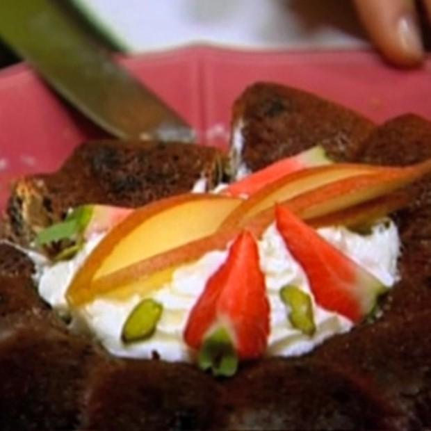 Gâteau aux poires et aux fruits secs