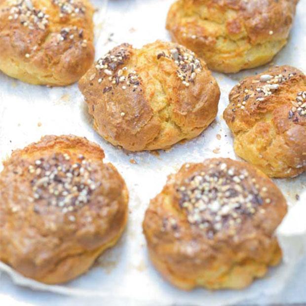 Petits pains du matin à la carotte et aux graines