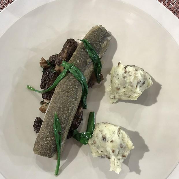 Féras du lac d'Annecy, pommes de terre aux morilles et ail des ours de Jean Sulpice