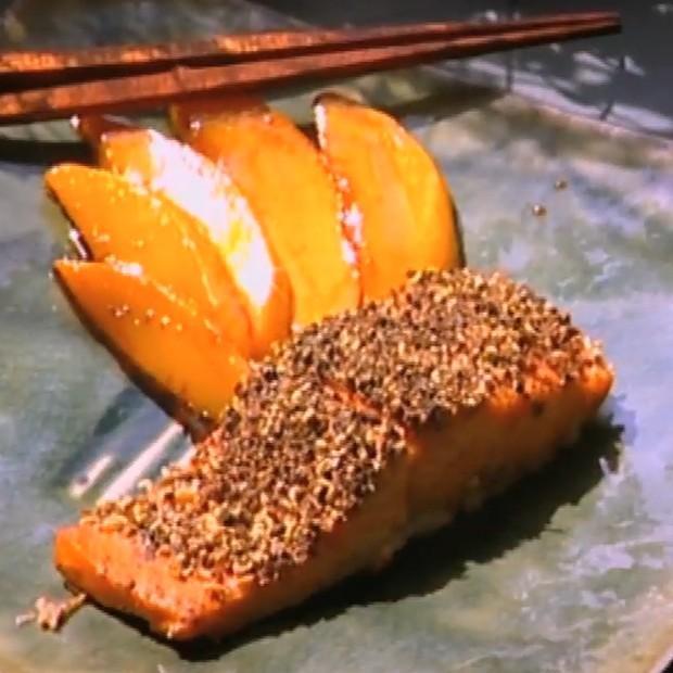 Saumon poivre et mangue