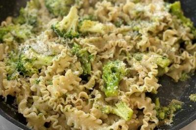 Mafalde anchois, ail et brocoli