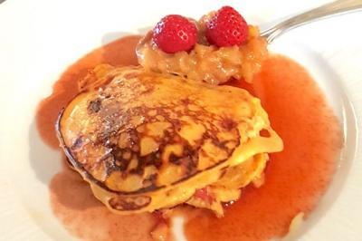 Pascades aux fraises et fondue de rhubarbe de Francis