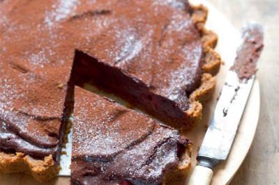 Tarte au chocolat truffée aux framboises