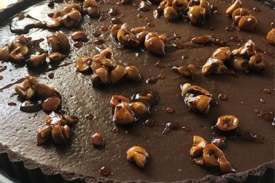 Tarte aux cookies et auxnoisettes caramélisées