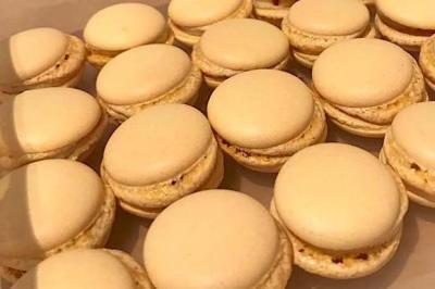 Macarons sans œufs, au Muscadet et Curé Nantais de Sybille