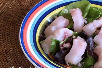Salade de bar tiède à l'huile de noisettes de Didier