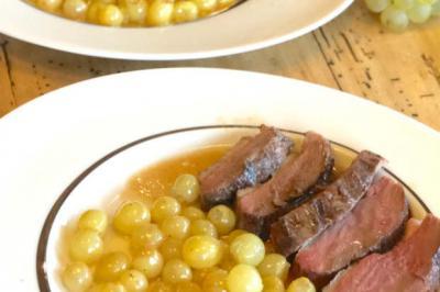 Magrets de canards grillés et Chasselas de Moissac de Nadège