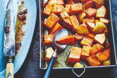 Patates douces et pommes caramélisées