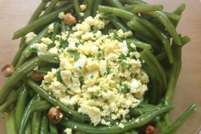 Salade de haricots verts aux noisettes