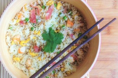 Riz grillé à la cantonaise